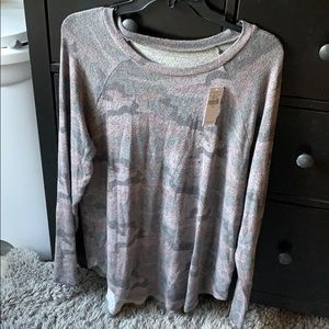 American eagle camo long sleeve